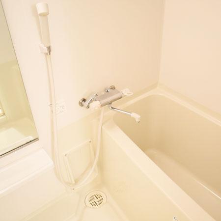 AS二条城【スタンダード】浴室